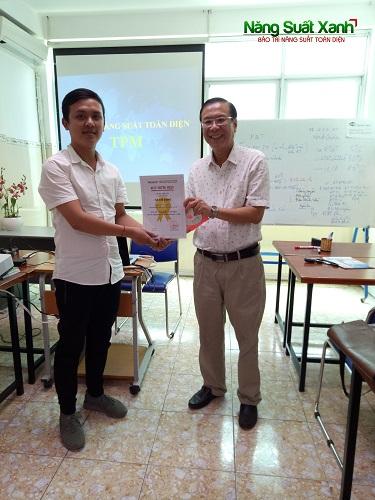 Ha Chi Dung copy